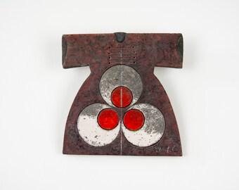 Raku Fired Black/Red Ceramic Caftan with Cintemani