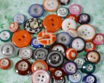 5 Vintage Ceramic Buttons