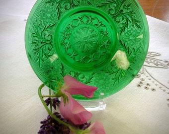 Emerald Green Sandwich Glass Saucer/Underplate ~ Vintage Anchor Hocking