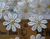White & Cornflower Yellow Daisy Appliques 27MM wide retro 30 pieces flower embellishment wedding bridal boho hippie