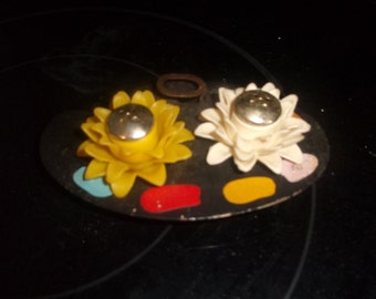 vintage salt pepper shakers set cast iron plastic flower