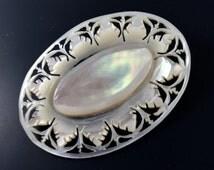 Bethlehem  SHELL BROOCH. Carved brooch. mother of pearl. No.001582