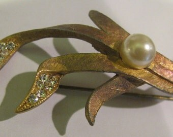 BEST faux pearl art nouveau rhinestone / paste  brooch - 2 inches