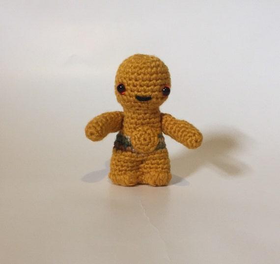Crocheted C3P0 - Star Wars Robot - Stuffed Animal - Amigurumi - made to order