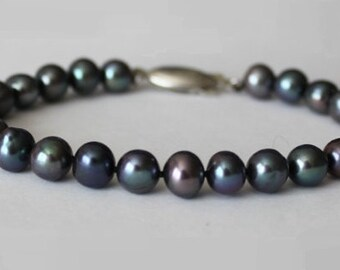7-8mm Genuine Peacock Black pearl bracelet, Hand knotted, Tahitian Black Fresh Water Pearl bracelet, Bridesmaids bracelet, Gift for her