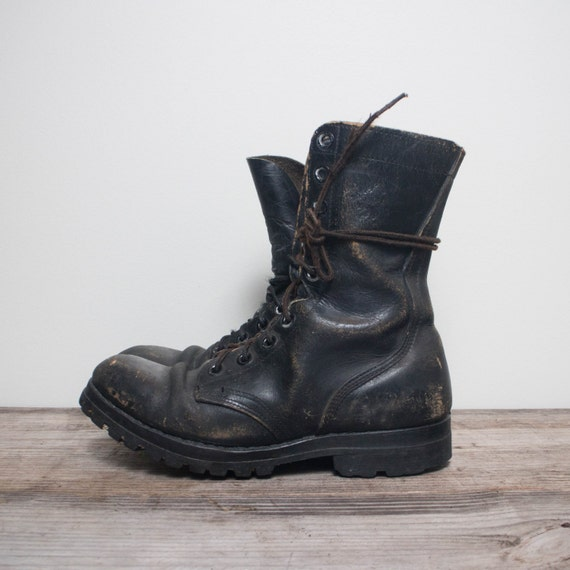 8 R 1970's Vintage Combat Boots Black Leather Military
