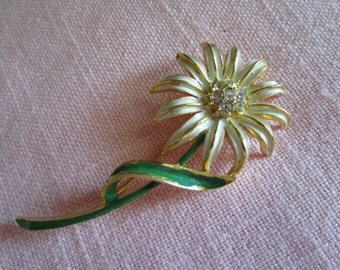 White Daisy Flower Brooch with Clear Rhinestone Center