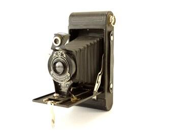 Vintage Kodak No 2 Folding Cartridge Hawkeye Camera Model B (c.1924) - Collectible Folding Working Camera