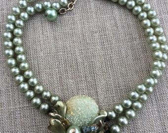 Vintage seafoam green pearl choker 1940s-1950s