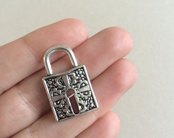 26 x Antique Silver Lock Charms Silver Padlock Pendants Silver Charms 27x17x3mm Silver Findings Jewelry Making Charms