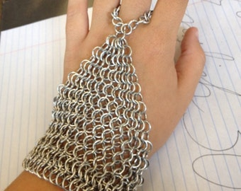 Chainmail Armor style Hand Flower's