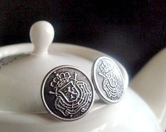 Queen Crest Stud Earrings, Silver Crested, Queen and Country
