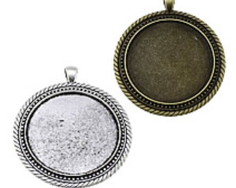 12 Round  Blank Frames approx 40mm  Pendant for photos Metal Trays Round Silver plated Charms