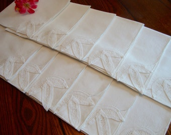 White Dinner Napkins Set of Twelve Crochet Detail Vintage Napkins Elegant