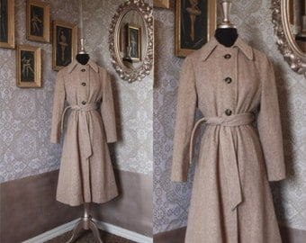 Vintage 1960's Beige Wool Winter Coat With Princess Style Shape XS/Small