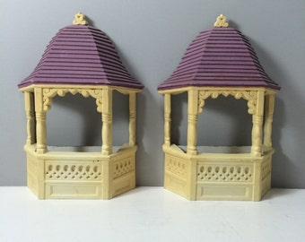 Garden Gazebos Burwood Wall Hanging Gazebos, Set of 2, Burwood Products, Cream and Lavender,  Wall Pockets, Wall Planters, Made in U.S.A.
