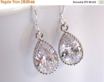 SALE Wedding Jewelry, Glass Earrings, Crystal Earrings, Clear, Silver, Bridesmaid Earrings, Bride Earrings, Bridal Earrings, Bridesmaid Gift