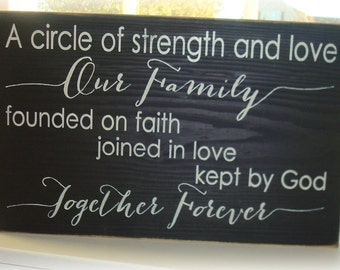 Large family wood sign. Our family is a circle of strength sign. Typography wood sign board. Signs with sayings. Family quote sign