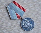 Vintage Soviet Russian medal,Veteran of Work.