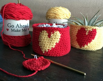 DIY Kit - Crochet Heart Bowls - Kit Makes 4 Bowls - With FREE Air Plant Included