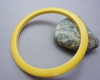 Bangle Vintage Yellow Bakelite Stacking Bangle Bracelet