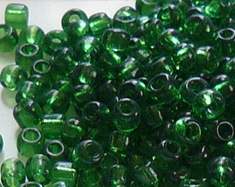 8/0 Transparent Green Glass Seed Beads Item #G80C