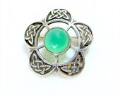 SALE! Vintage Scottish Silver Pin, Green Agate 5-Petalled Celtic Knot Knotwork Sterling Silver Brooch Scotland 1960s