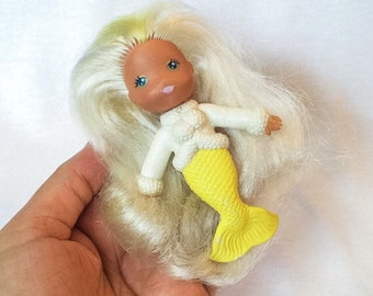 Fab Yellow Mermaid Icy Gals Shelly See Wees Doll Plastic Rubber Figurine Bath Toy Vintage Kenner Hong Kong