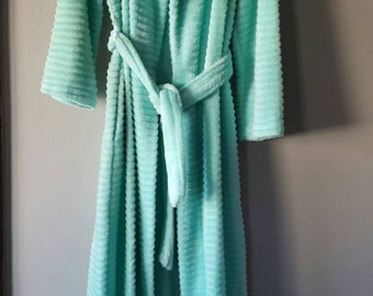 Vintage Seafoam Green Fuzzy Mid Length Sleeve Belted Robe, S Small