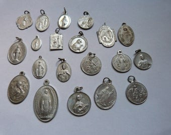20 antique French religious medals Holy virgin Mary, Madonna and child, St Therese, sacred heart, souvenir our lady of Lourdes,Jesus Christ