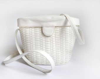 80s Bag Vintage Shoulder basket wicker bag Cream white off white handbag