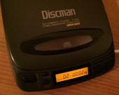 Sale ! Sony DISCMAN D-202 Digital Portable CD Compact Player Disc Man 8 x Times Oversampling Mega Bass Japan Quality Line Out / Free Ship