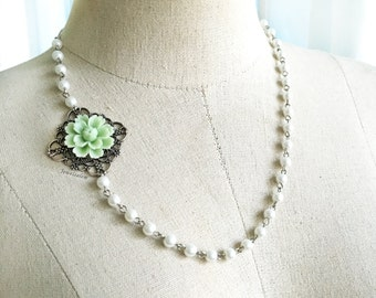 Mint Necklace Bridal Jewelry Romantic Pearl Flower Necklace Pastel Green Bridesmaids Gift Mother of Groom Gift Mother of Bride Jewellery