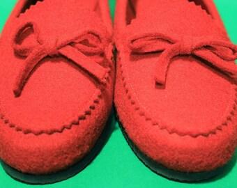 Vintage 60s Womens Mod Boho Red Felt Slippers Hipster Mid Century