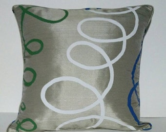"""18""""x18"""" Decorative Pillow Puzzle lines with Piping and Zipper"""