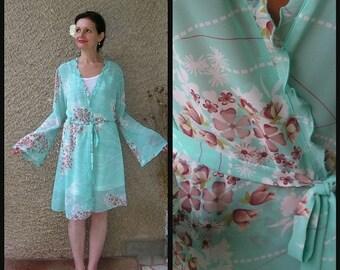 ON SALE: Vintage Morning Wrap Robe size M