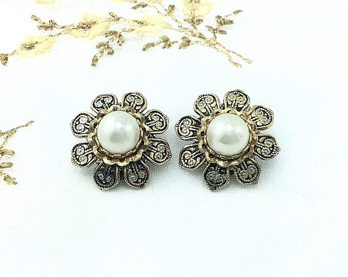 Vintage Spanish Black and Gold Damascene Flower Earrings, Toledoware Earrings with Pearl Cabochons. Spanish Earrings.