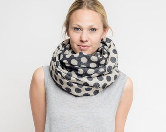 merino scarf dots // black + white