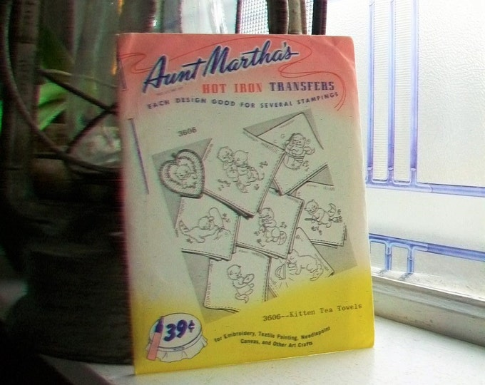 Kitten Tea Towels Aunt Martha's Hot Iron On Transfers Unused Vintage Craft Supply Pattern 3606