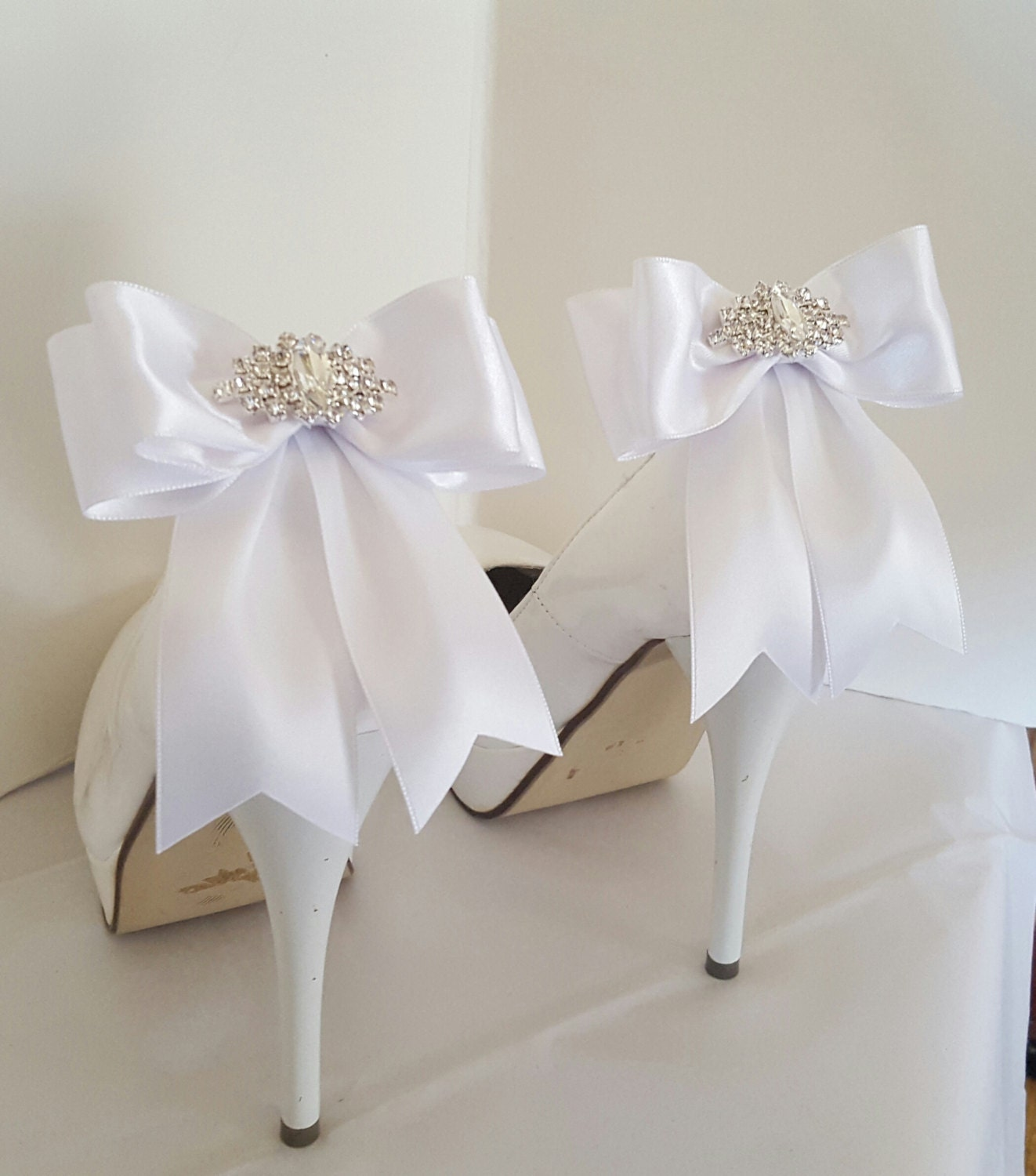 Custom Colors Wedding Shoes Accessory Wedding Shoes Wedding: White Wedding Shoe ClipsBridal Shoe Clips MANY COLORS