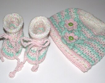 Crochet Hat & Booties set. with croched Flowers. Handmade for baby or Reborn E