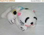 ON SALE - 10% OFF Crochet toy animal....Japanese Cat....Slipy, stuffed, soft, safe, white with spots