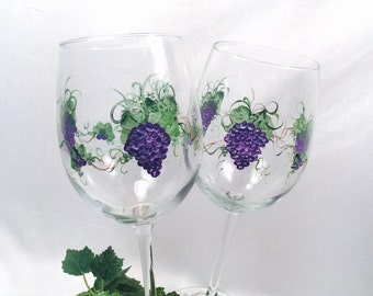 Free shipping Grapes hand painted pair of wine glasses