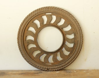 Antique Stove Pipe Grate Cast Iron Grate Round Decorative Stove Pipe Collar Iron Buillding Salvage