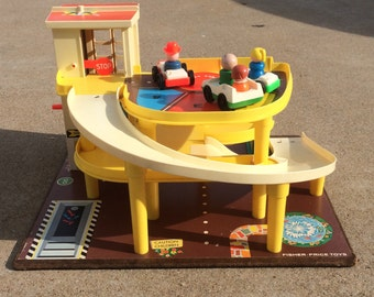 Vintage Fisher Price Parking Ramp Service Station 930 With Four Little People and Three Cars, Fisher Price Garage Wood Base