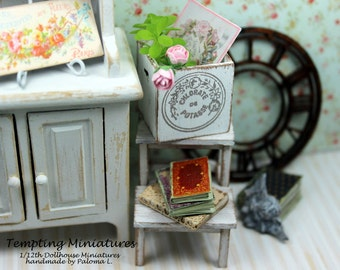 Wooden Square Crate in Vintage Style - 1:12th Dollhouse Miniature