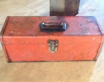 Toolbox Rustic Red Vintage