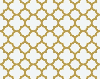 Gold Sparkle Quatrefoil metallic fabric by Riley Blake
