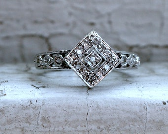 Sweet Vintage 14K White Gold Diamond Ring Engagement Ring.