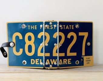 Recycled Delaware license plate vintage journal / on the road journal / road trip diary / retro repurposed mini binder / metal cover binder